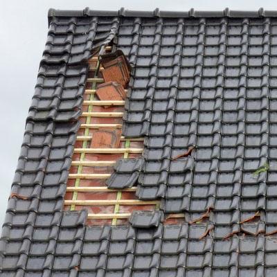 Tetőjavítás, tetőfelújítás, tetőbeázás megszüntetése